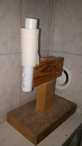gamla toalettpappershållaren